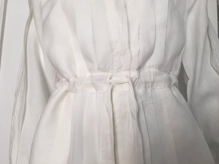Beige Laura Biagiotti for Bonwit Teller 80s white linen dress size 4 / 6.  For Sale
