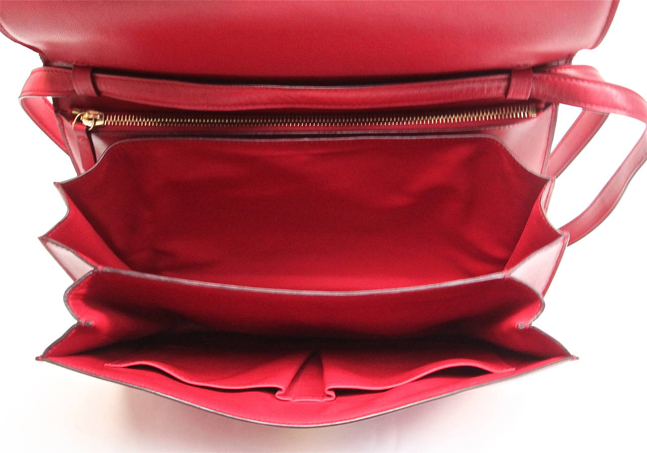 Women's Celine large red classic box leather bag with convertible strap  For Sale