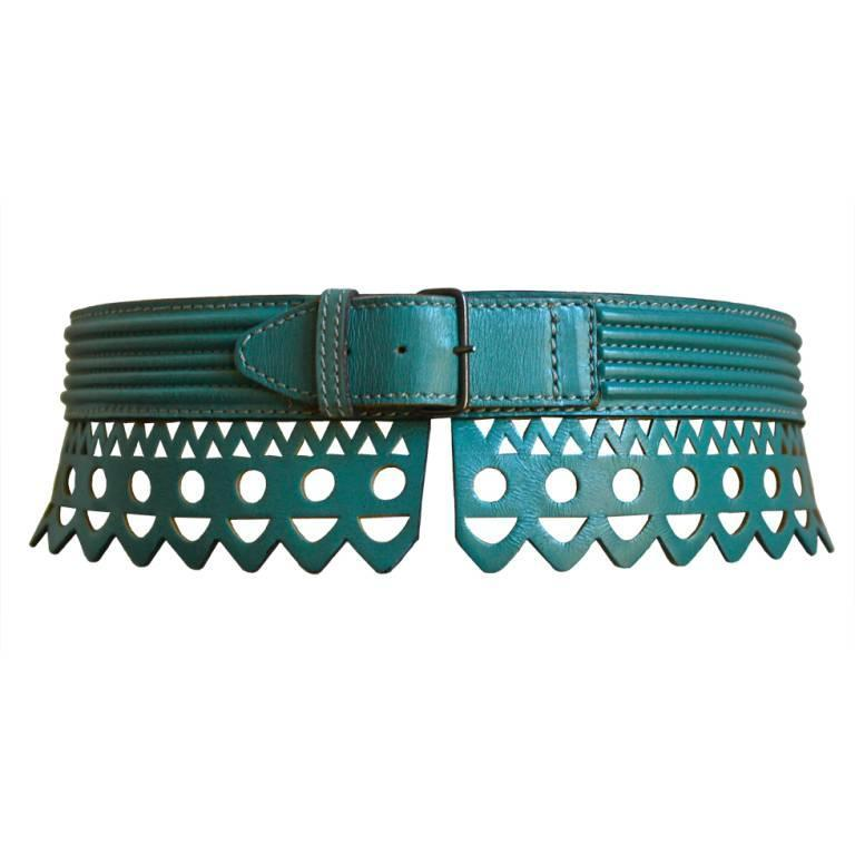 1990's AZZEDINE ALAIA teal scalloped laser cut leather belt For Sale