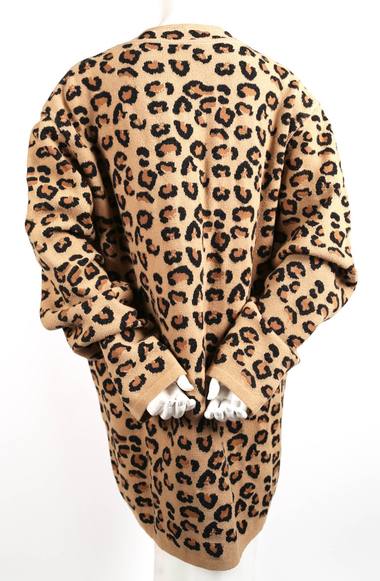 Azzedine Alaia oversized leopard V-neck tunic dress, 1991  In Excellent Condition For Sale In San Fransisco, CA
