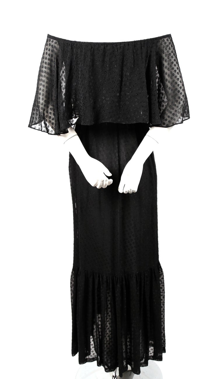 Yves Saint Laurent black off-the-shoulder peasant dress, 1970s In Good Condition For Sale In San Fransisco, CA