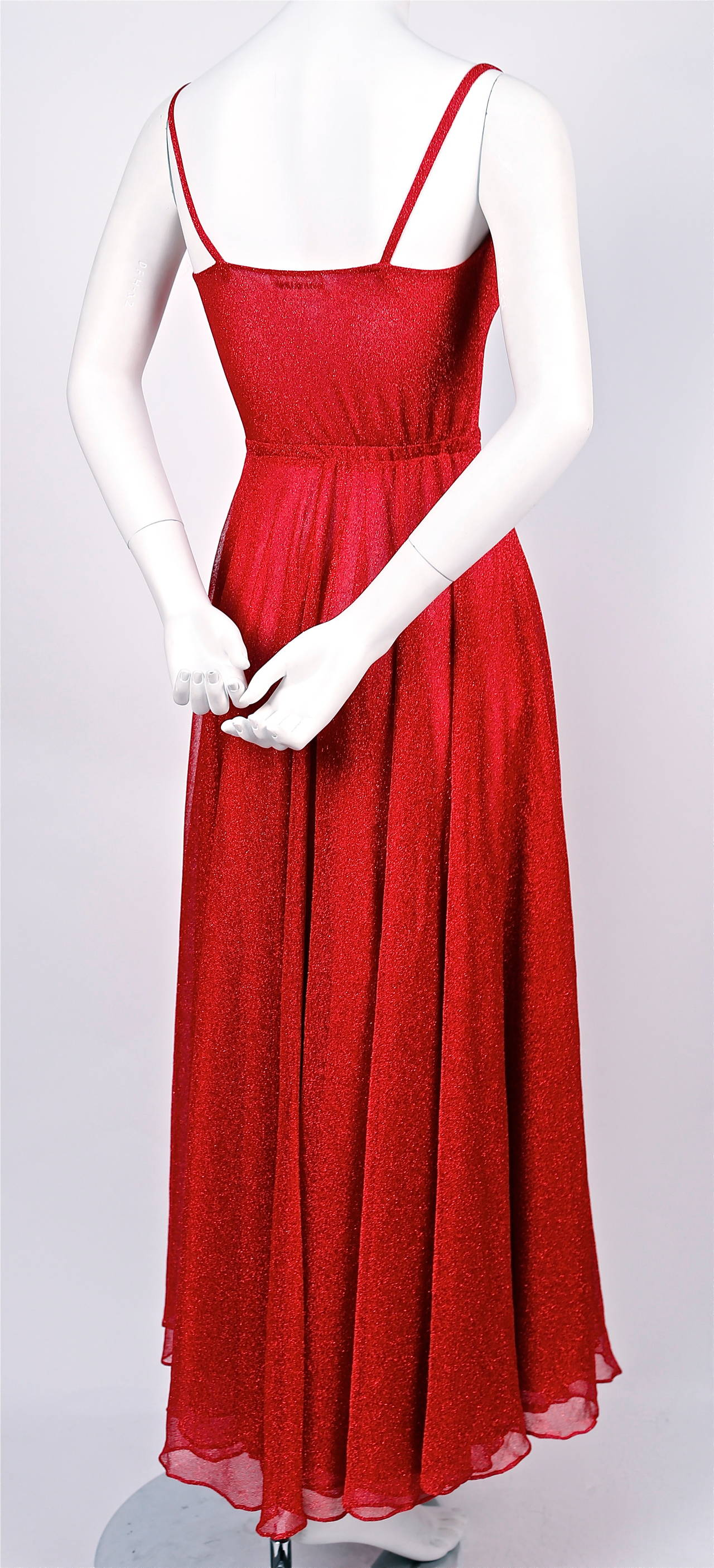 Halston fuchsia lurex dress, 1970s  In Excellent Condition For Sale In San Fransisco, CA