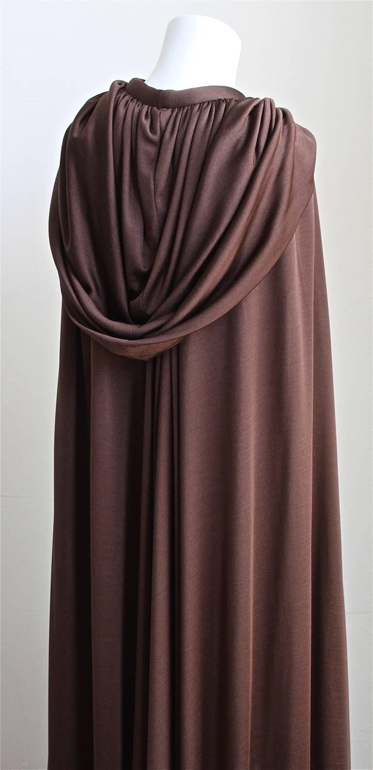 1970's LORIS AZZARO brown jersey cape with hood 2