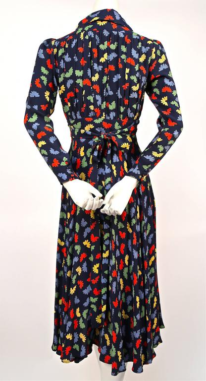 70's OSSIE CLARK for Quorum 'Celia Birtwell' fan printdress w/ plunging neckline In Good Condition For Sale In San Fransisco, CA