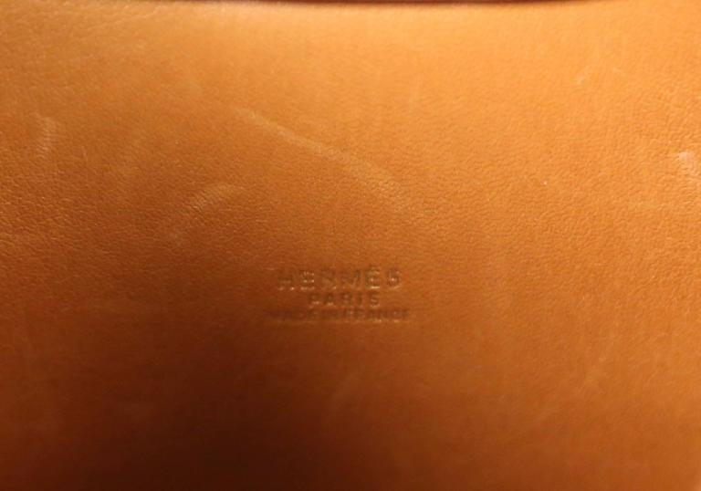 very rare 1989 HERMES courchevel leather circular 'Folies' bag For Sale 4