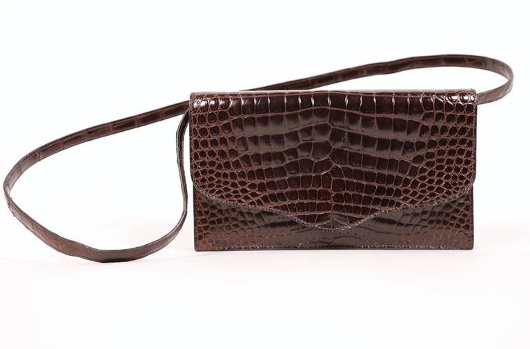 Women's or Men's Hermes rich brown porosus crocodile convertible clutch, 1986  For Sale