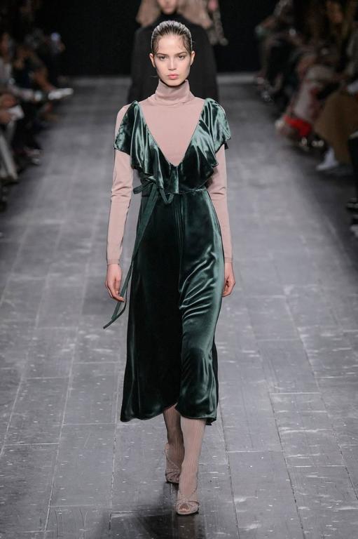 Women S Or Men Valentino Ruffled Green Velvet Midi Runway Dress 2016 For
