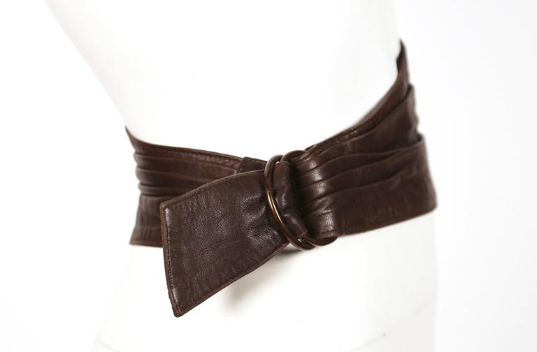 Black 1980's AZZEDINE ALAIA black rushed belt with side buckle For Sale