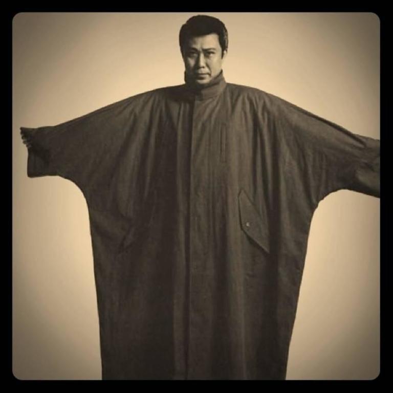 1980's ISSEY MIYAKE slate grey hooded windcoat For Sale 1
