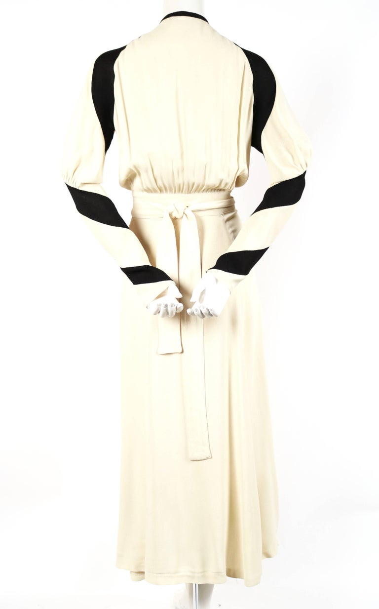 very rare 1970 OSSIE CLARK for QUORUM moss crepe wrap dress In Good Condition For Sale In San Fransisco, CA