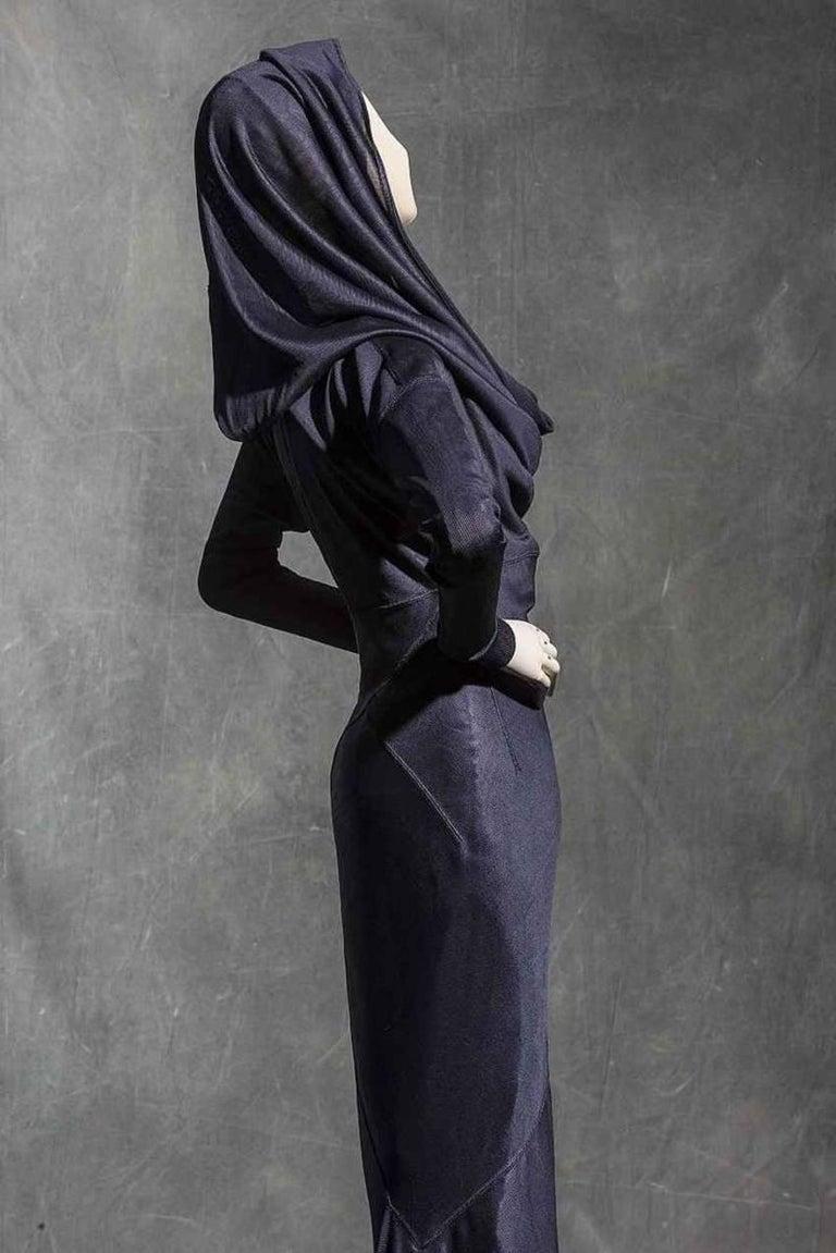 Azzedine Alaia olive viscose hooded dress, 1986  For Sale 2