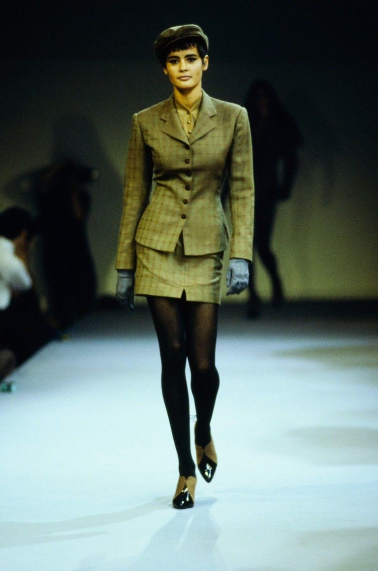 Azzedine Alaia forest green runway suit with burgundy piping, 1990  For Sale 3