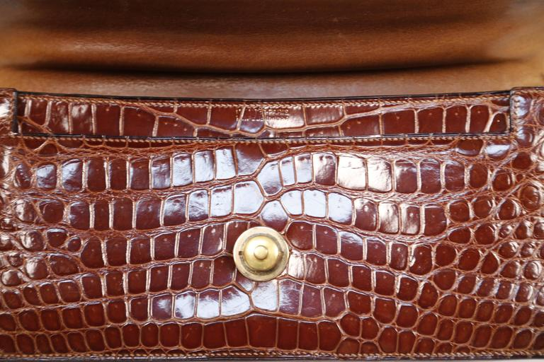 Hermes crocodile top handle bag with geometric hardware, 1940s  9