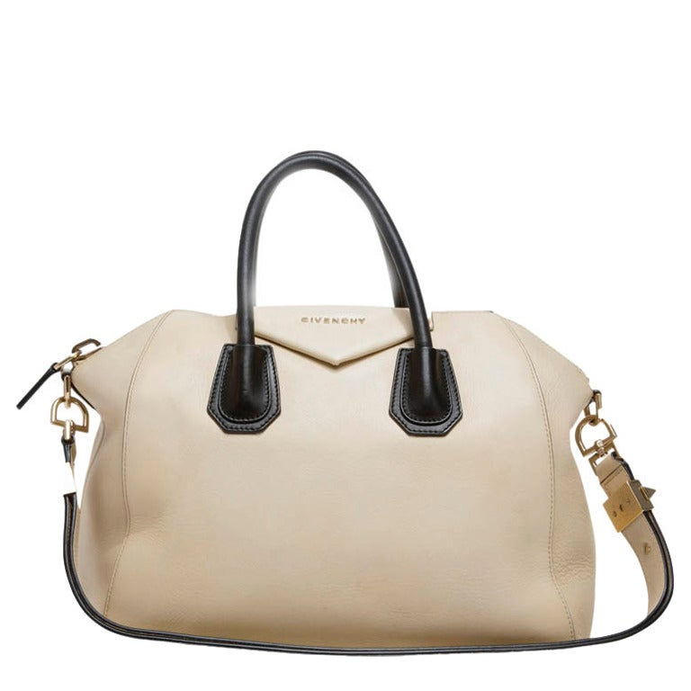 Givenchy Antigona Bag Leather Medium at 1stdibs 9764e596b9