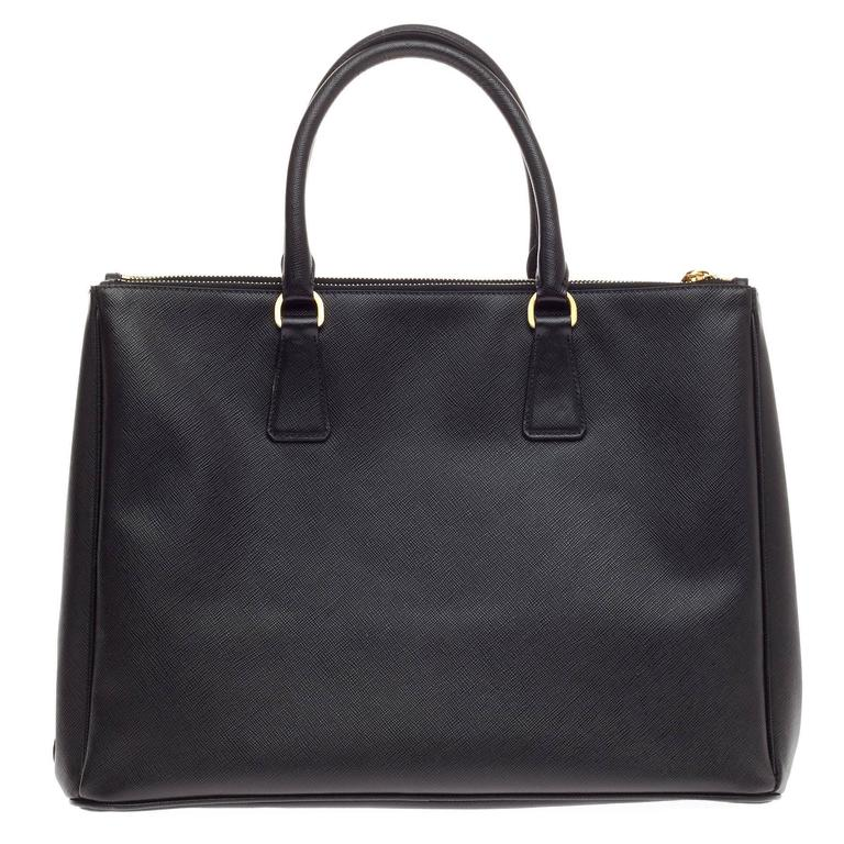 Prada In Good Condition For Sale In New York, NY