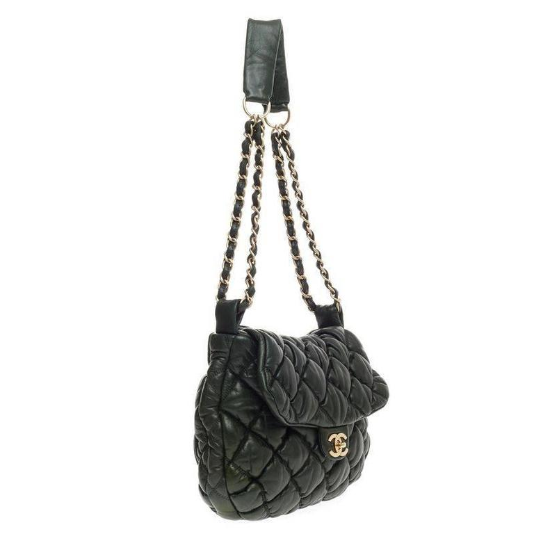 30962470887aaa Chanel Bubble Quilt Flap Bag Lambskin Medium In Good Condition For Sale In  New York,