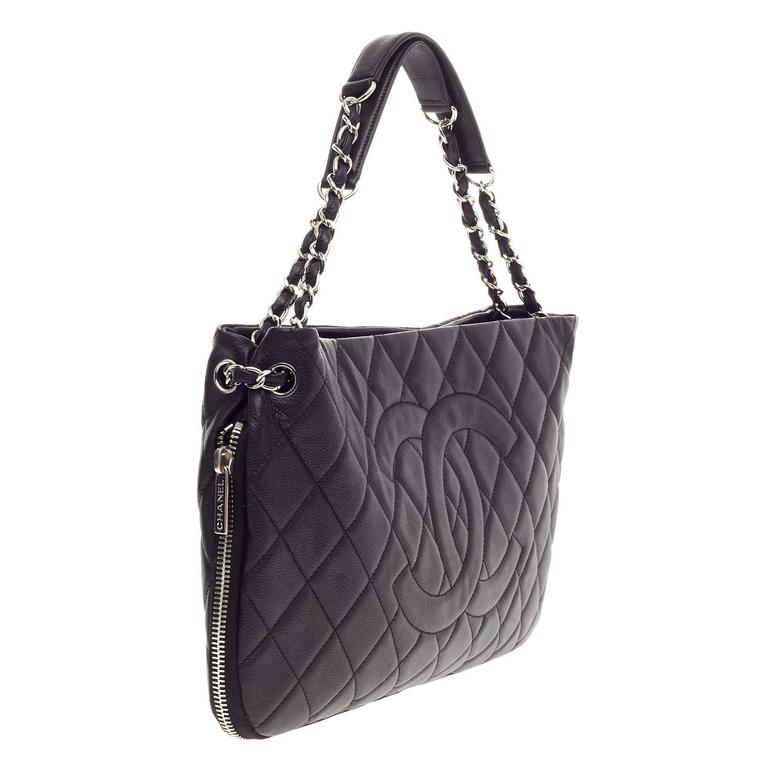 03543d67b029 Chanel Timeless CC Expandable Tote Quilted Caviar Medium In Good Condition  For Sale In New York