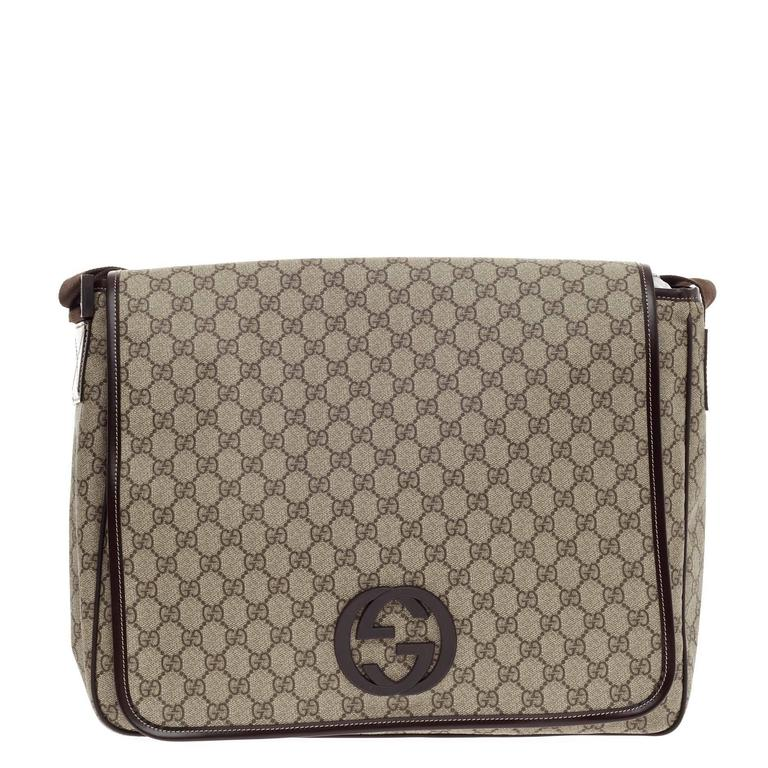 979f9284dd4 Gucci Interlocking G Messenger GG Coated Canvas Large In Good Condition For  Sale In New York