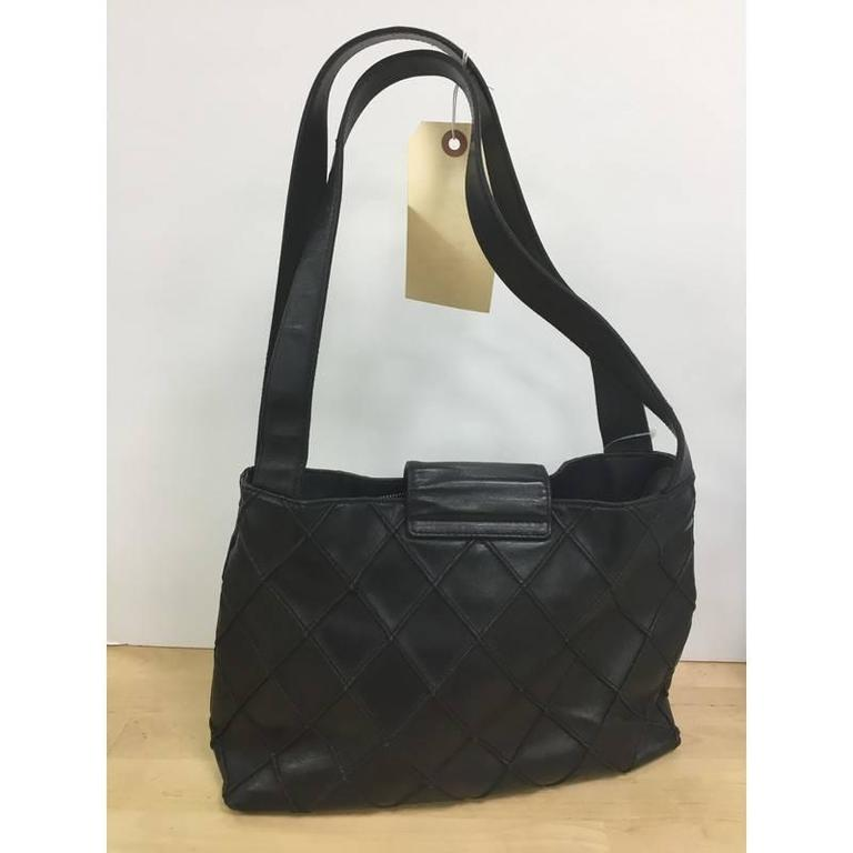 789f40f8f3c6 Black Chanel Vintage CC Turn Lock Shoulder Bag Quilted Leather Medium For  Sale