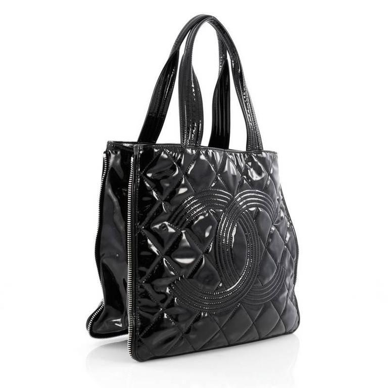 b6335d77c1fe Chanel Expandable CC Shopping Tote Quilted Patent Medium In Good Condition  For Sale In New York
