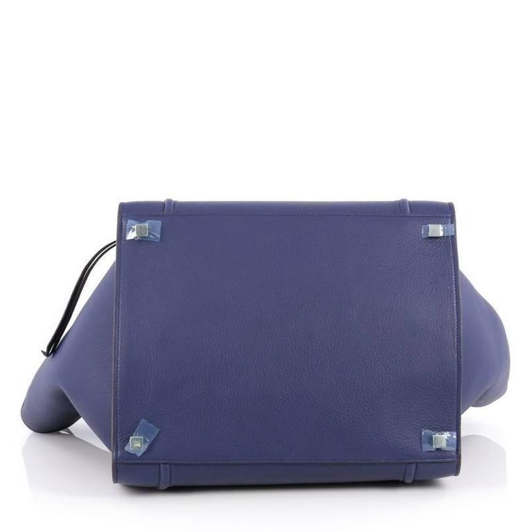 Women's or Men's Celine Phantom Handbag Grainy Leather Medium For Sale