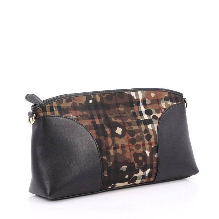 ea5e8f105ff Black Burberry Chichester Crossbody Bag Printed Horseferry Canvas Small For  Sale