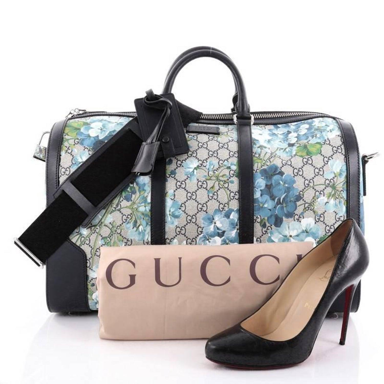 948d0d6ed195 Gucci Convertible Duffle Bag Blooms Print GG Coated Canvas Medium at 1stdibs