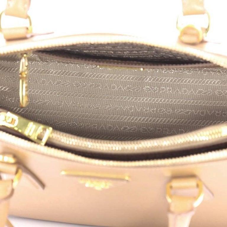 Prada Promenade Handbag Saffiano Leather Medium For Sale 1