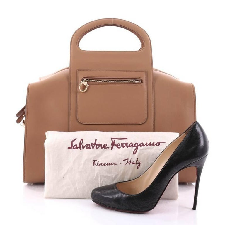 This authentic Salvatore Ferragamo Zip Bowling Bag Leather Large is a  luxurious and astonishing bag that 23c70d4981eb2