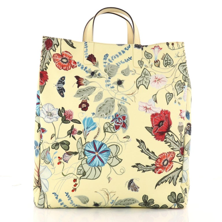 887ed8494 Gucci G-Active Knight Tote Flora Canvas Tall i In Good Condition For Sale In