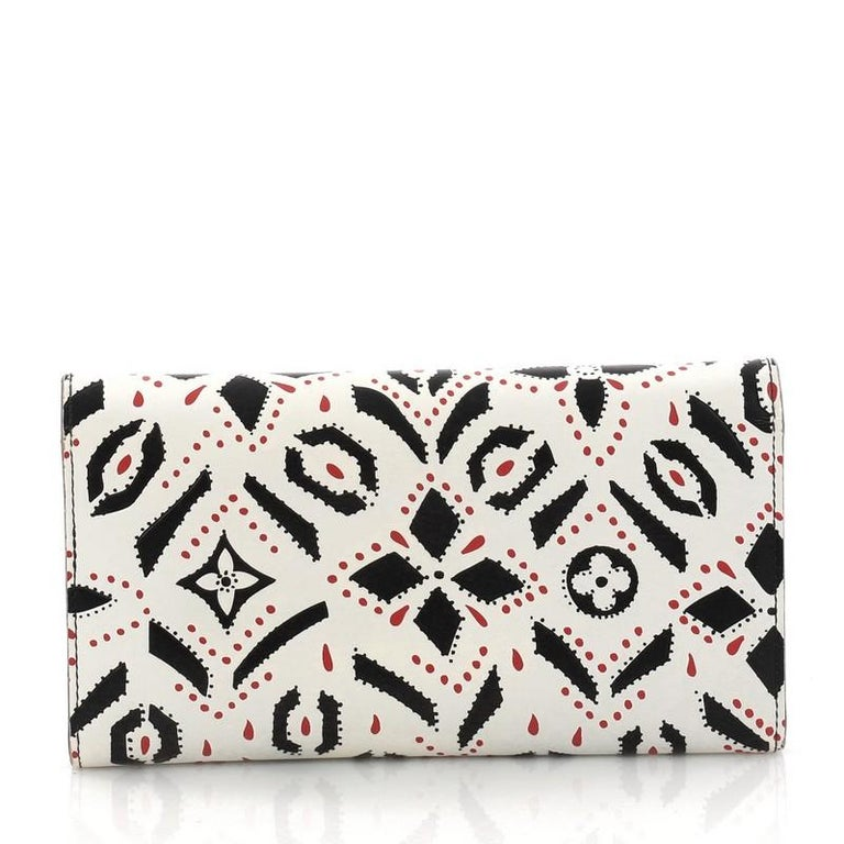 Louis Vuitton Twist Wallet Limited Edition Graphic Leather In Good Condition For Sale In New York, NY