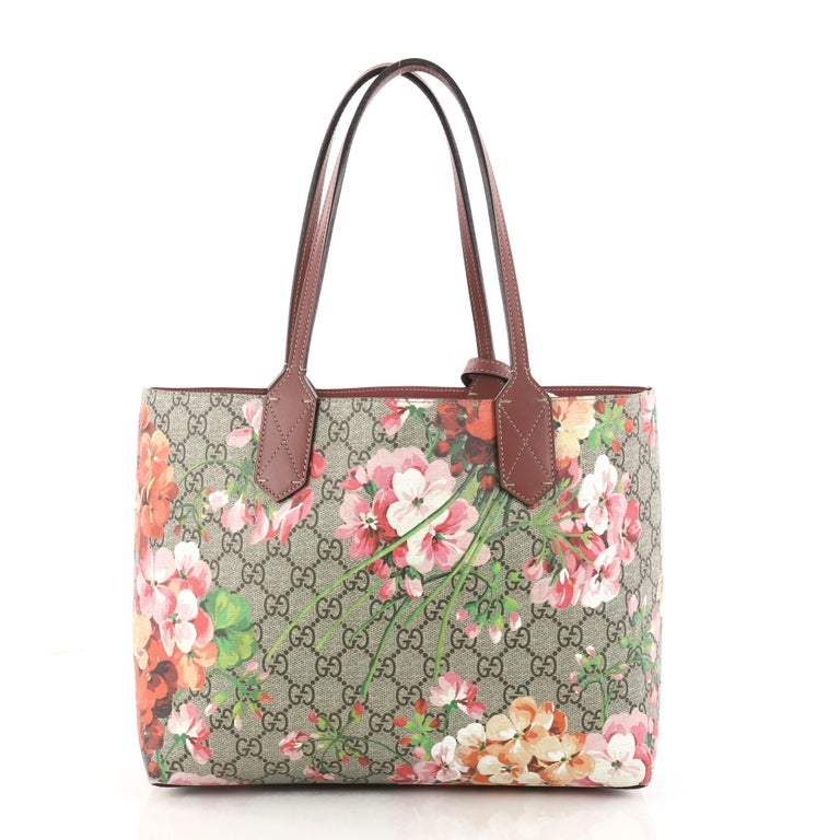 50dbdd8af20 Gucci Reversible Tote Blooms GG Print Leather Small In Excellent Condition  For Sale In New York