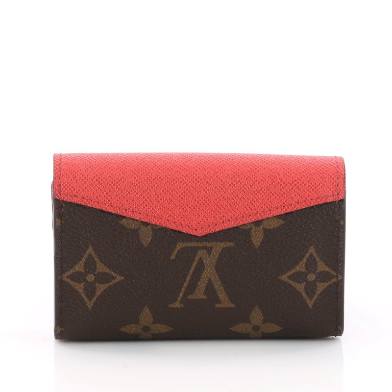 767a22f1205b Louis Vuitton Sarah Multicartes Wallet Monogram Canvas In Good Condition  For Sale In New York