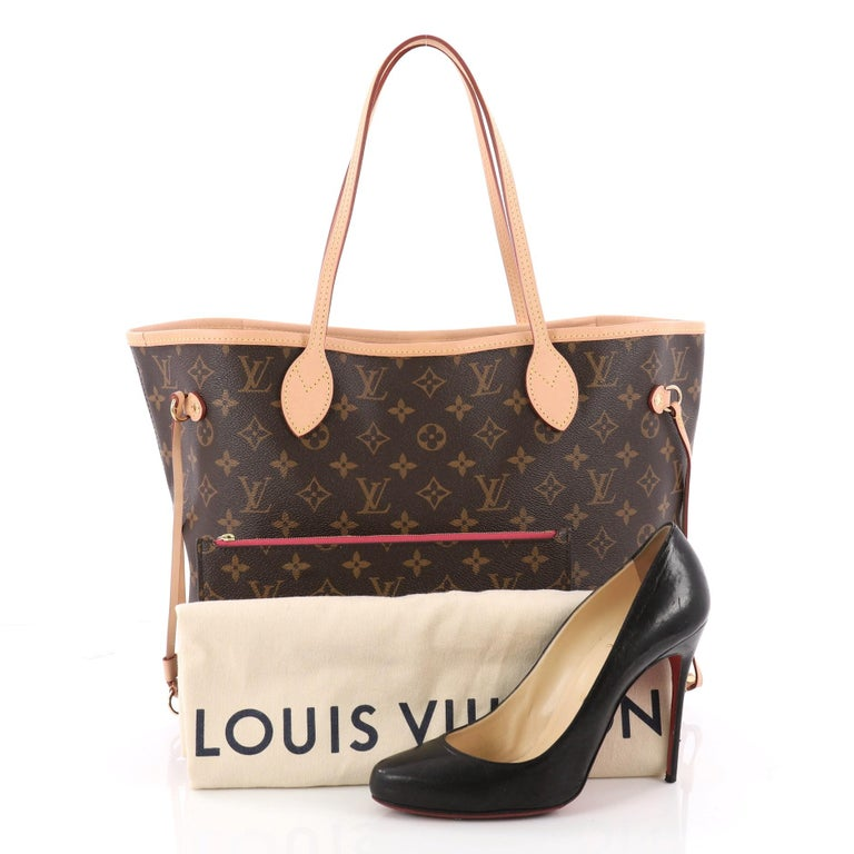 This authentic Louis Vuitton Neverfull NM Tote Monogram Canvas MM is a  perfect companion for daily 177cff84194