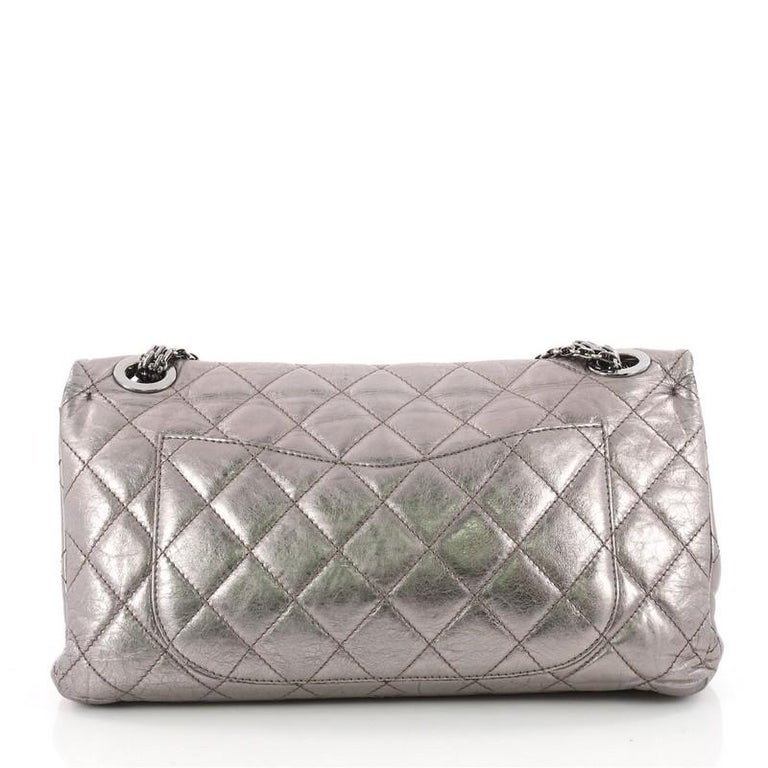 2425242ebf0840 Chanel Reissue 2.55 Handbag Quilted Metallic Aged Calfskin 228 In Good  Condition For Sale In New