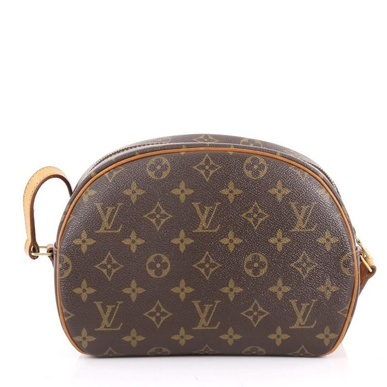 f761fb1a3c4f Louis Vuitton Blois Monogram Canvas Handbag In Good Condition For Sale In  New York