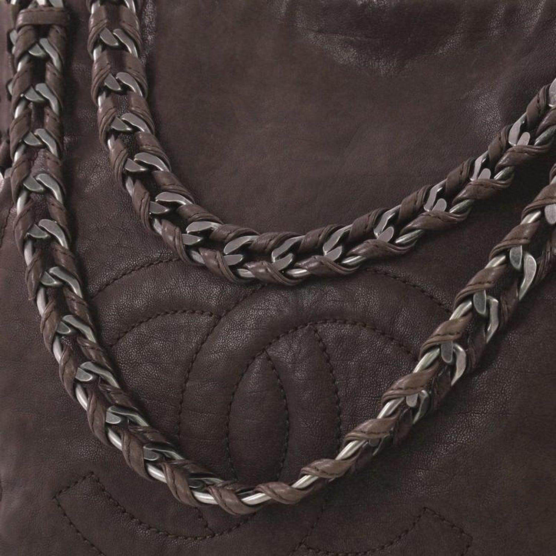 7aa78eb76537 Chanel Modern Chain Tote Caviar North South at 1stdibs