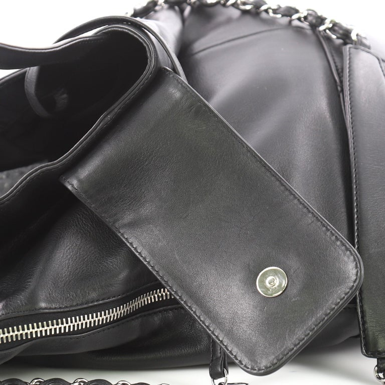 Chanel Expandable Ligne Messenger Bag Leather Large at 1stdibs dd940e48d7df0