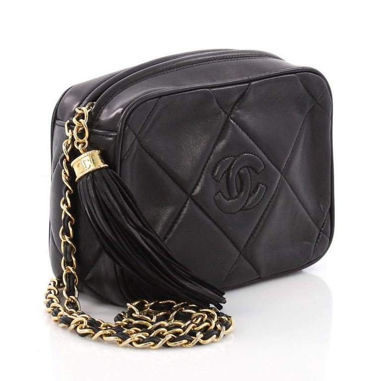 458bdda8293e Black Chanel Vintage Diamond CC Camera Bag Quilted Leather Small For Sale