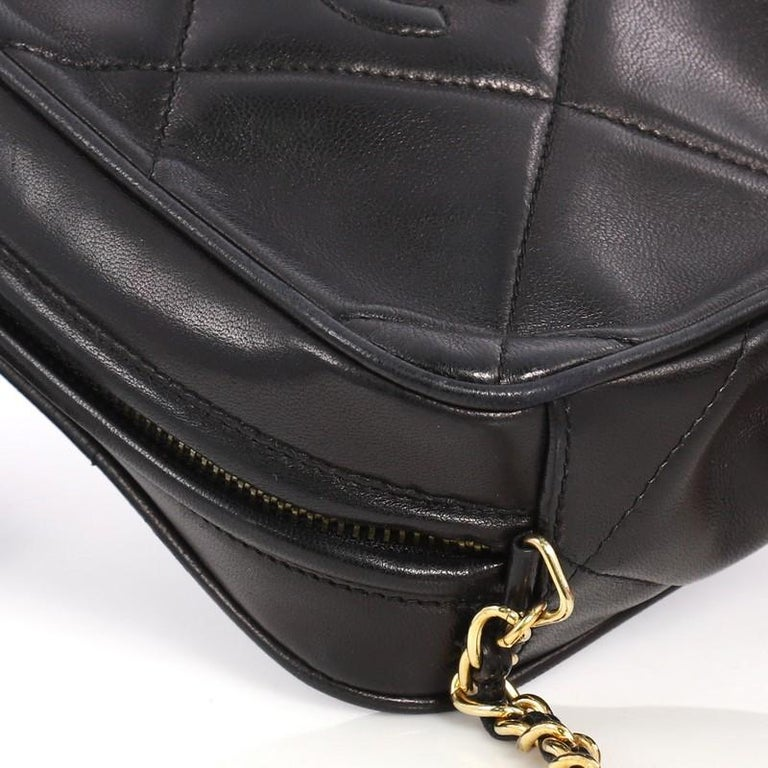 b8e4266f8b009c Chanel Vintage Diamond CC Camera Bag Quilted Leather Small For Sale 4
