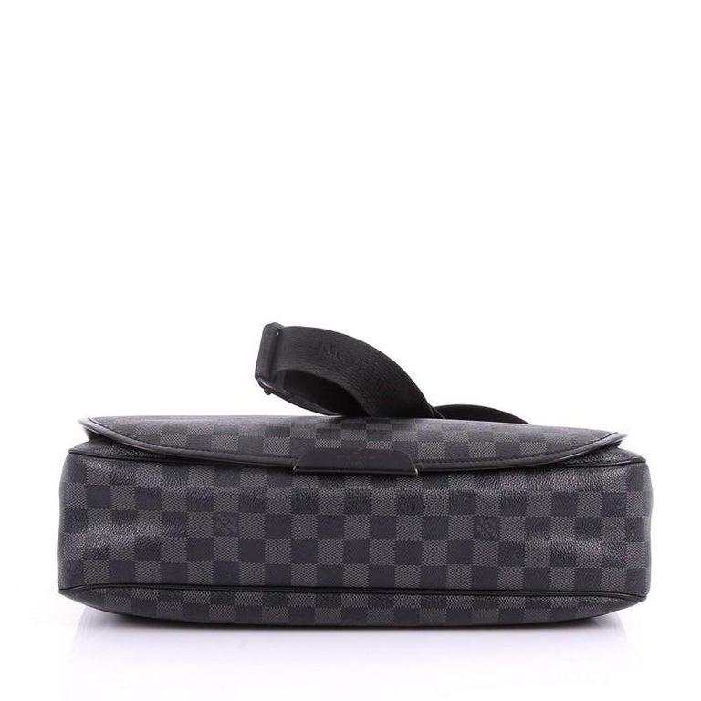ff7512de1e94 Women s or Men s Louis Vuitton Daniel Messenger Bag Damier Graphite GM For  Sale