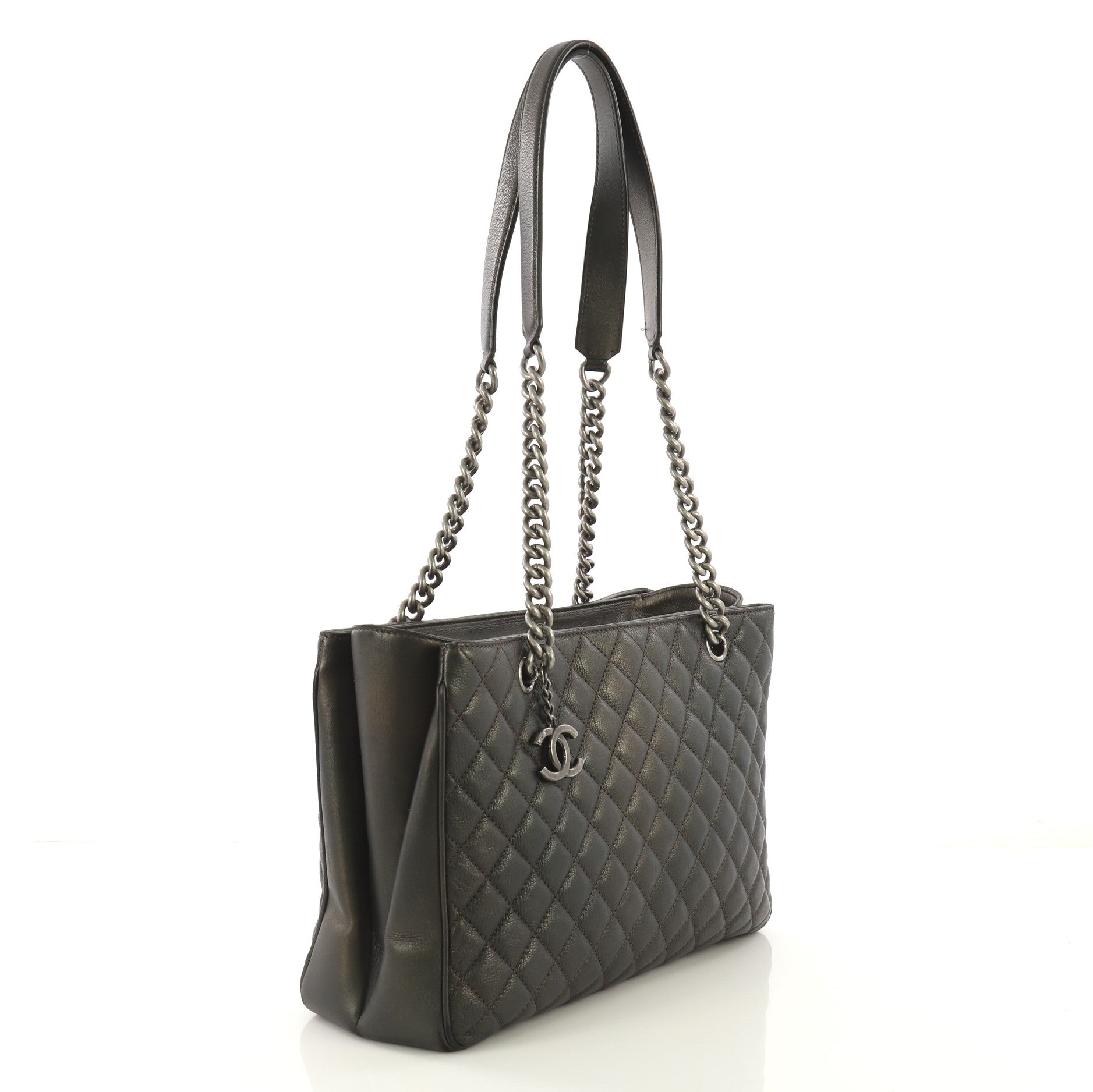 a49090f397e0 Chanel Rock in Rome Shopping Tote Quilted Goatskin Large For Sale at 1stdibs