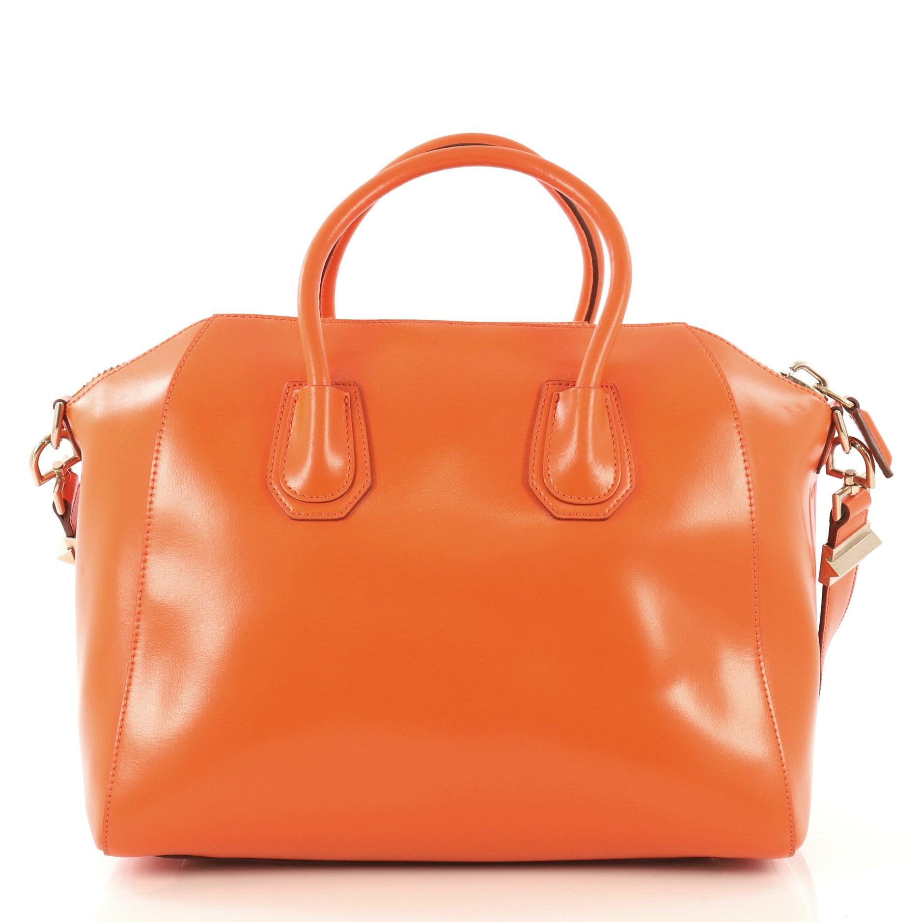 14064e209d5 Givenchy Antigona Bag Leather Medium For Sale at 1stdibs