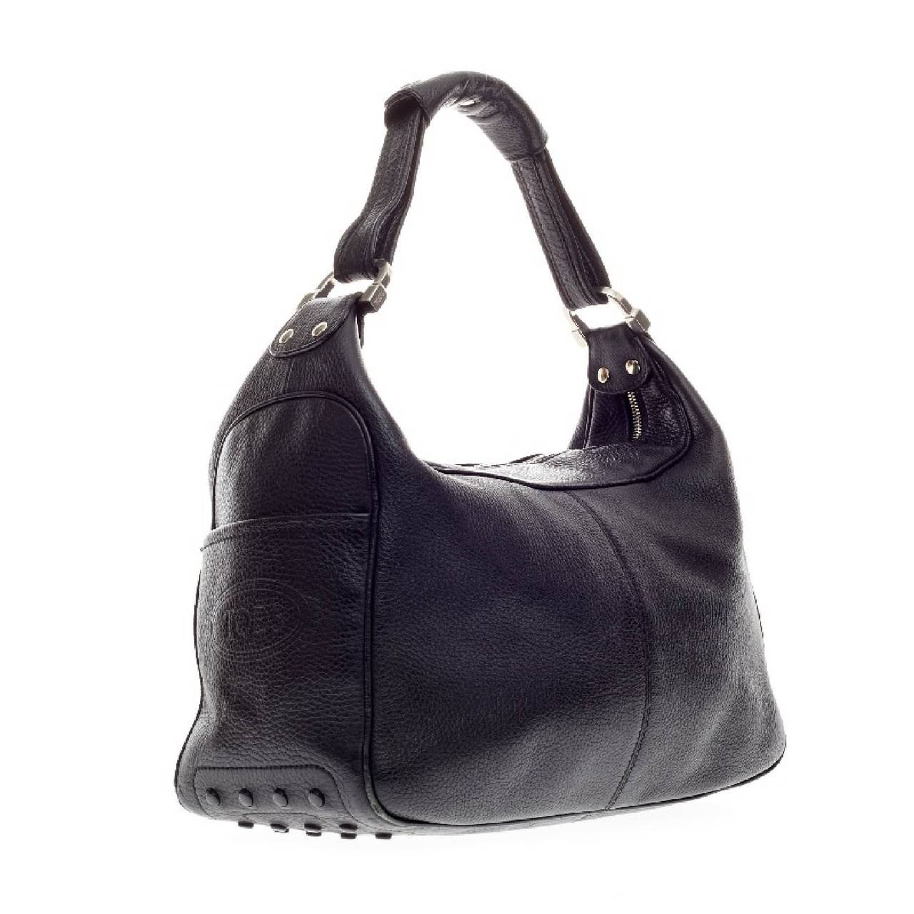 Tod s Zip Shoulder Bag Leather In Good Condition For Sale In New York d0b5d6b8de51
