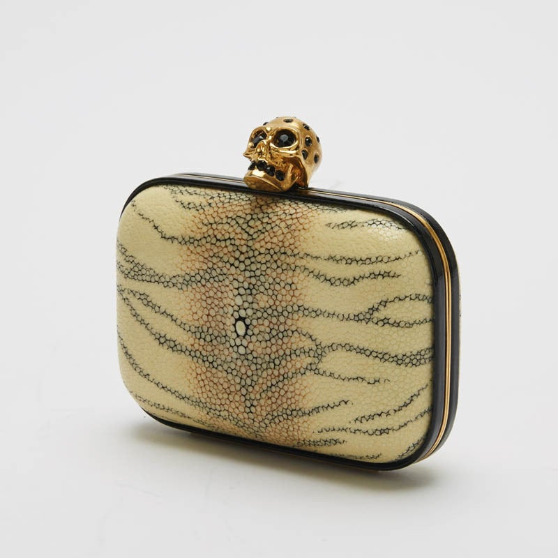 Alexander McQueen Skull Stingray Clutch Small 3