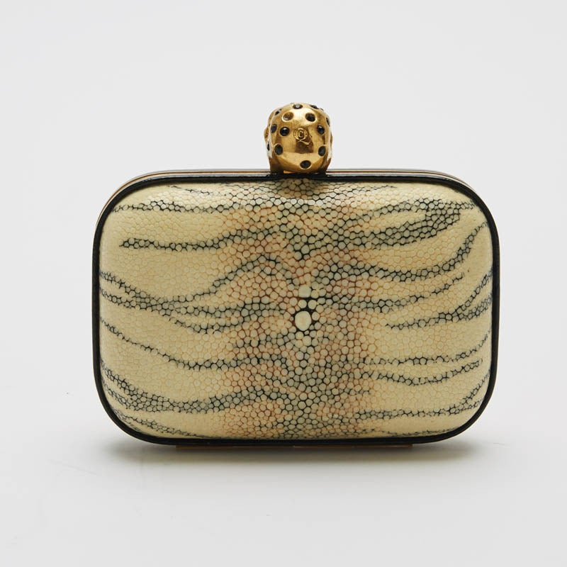 Alexander McQueen Skull Stingray Clutch Small 4