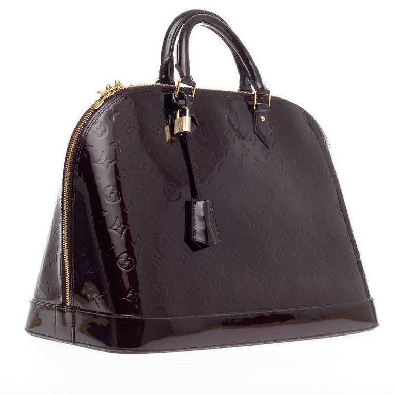 Louis Vuitton Alma Monogram Vernis GM In Good Condition For Sale In New York, NY