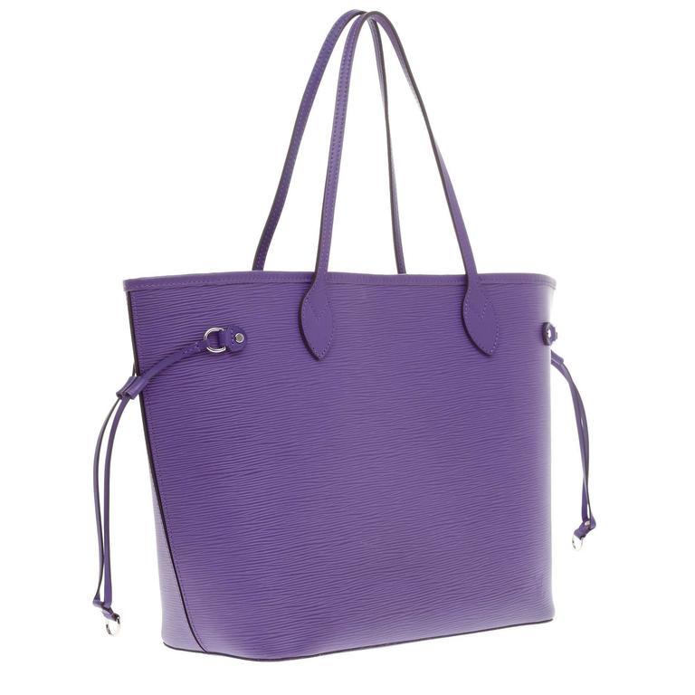 2feba649ea01 Louis Vuitton Neverfull Epi Leather MM at 1stdibs