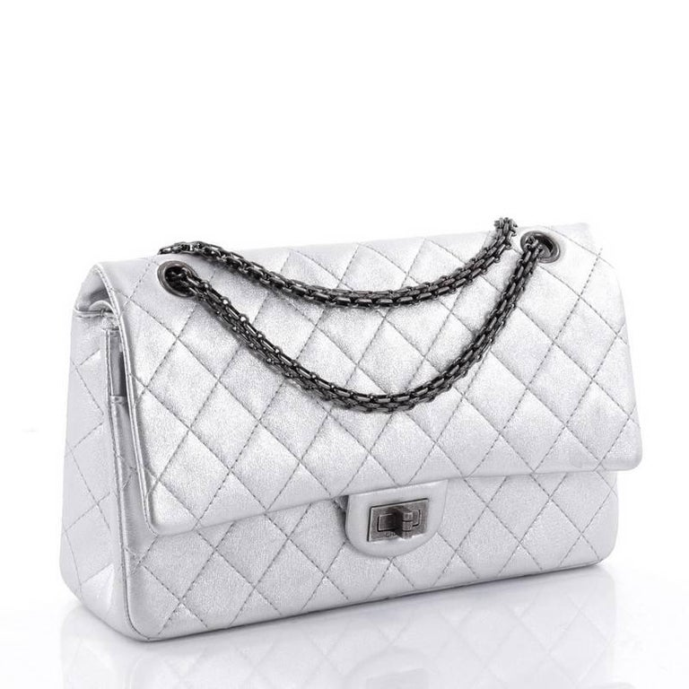 8624a1da08b8 Chanel Reissue 2.55 Handbag Quilted Lambskin 226 In Good Condition For Sale  In New York,