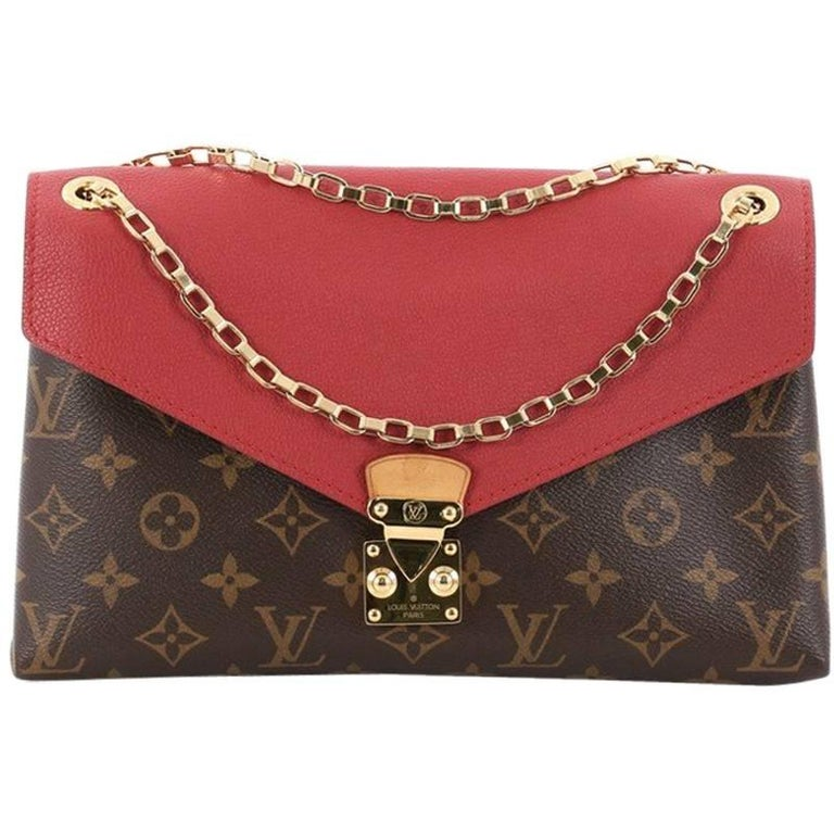 Louis Vuitton Pallas Chain Shoulder Bag Monogram Canvas and Calf Leather at  1stdibs 510844c791e44
